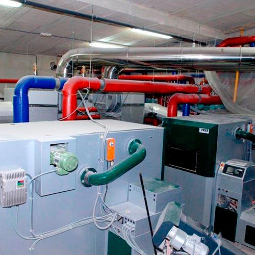 Biomasa hotel energéticamente sostenible
