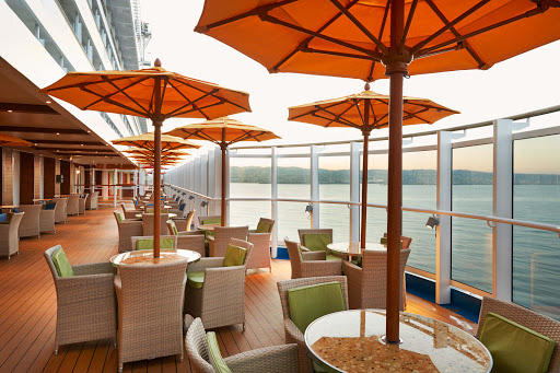carnival-vista-Lanai.jpg - Watch the world go by in the Lanai, an outdoor promenade deck area with 60 seats on Carnival Vista.