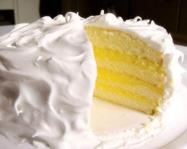 Princess White Cake With Pineapple & Lemon Filling