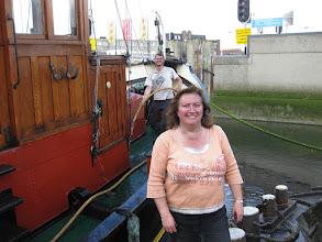 Photo: Nog even het stof afspoelen. Van de boot, Dennis......