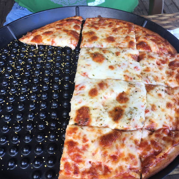 Photo from Pusateri's Chicago Pizza