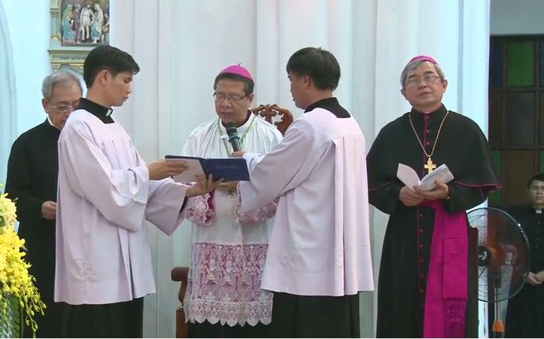 Nghi thức Tuyên thệ của Đức Tân Giám mục Luy Nguyễn Anh Tuấn - Ảnh minh hoạ 14