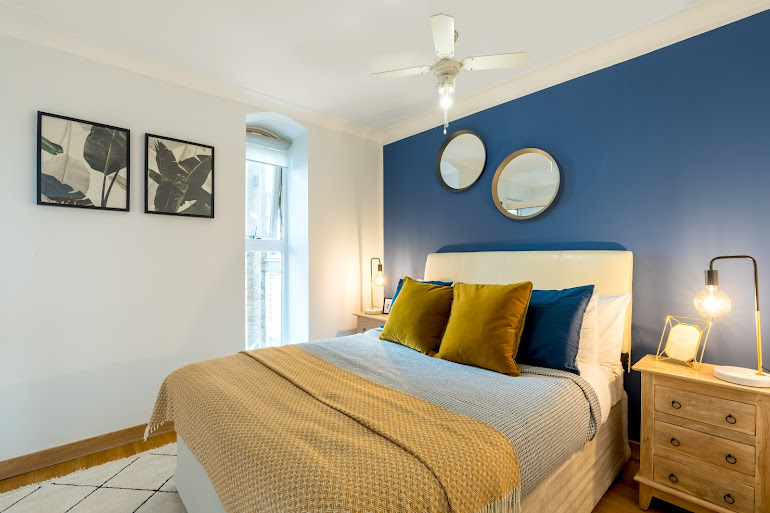 Globe View Serviced Apartments, City of London