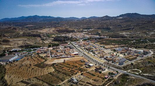 Las calles y barriadas de Sorbas renovarán el pavimento y las redes de agua