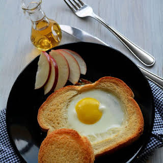 Baked Egg Bread Slices.