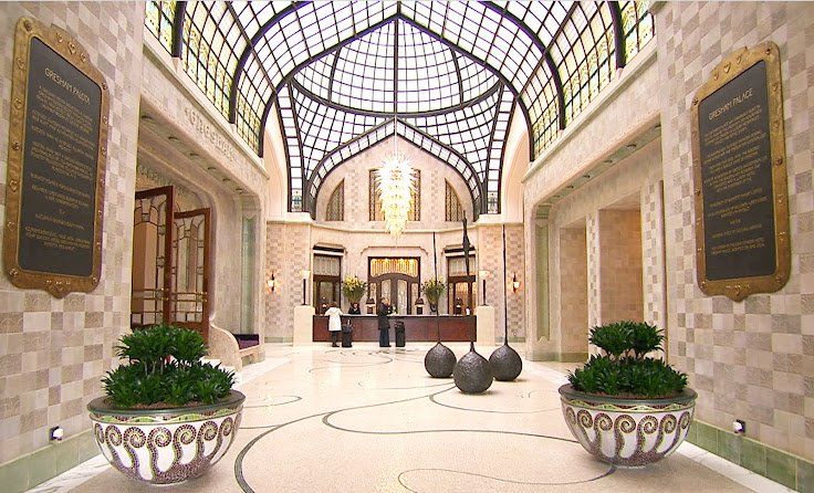 The main lobby of the Gresham Palace.  Photo: LuxuryDreamHotels.
