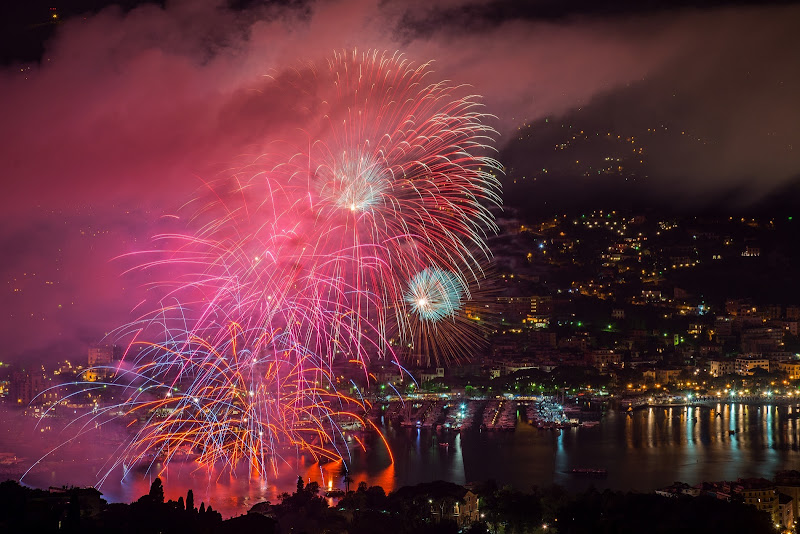 Pink Fireworks di LucaMonego