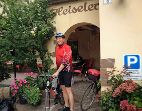 Photo: Boxenstopp in Brixen, Besuch Altstadtfest und Übernachtung in der Pension Heiseler. Am nächsten Morgen um 10 Uhr geht es gutgelaunt Richtung Trento.