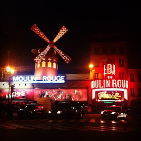 Le moulin rouge by Abi Gilson - Instagram & Mobile Instagram