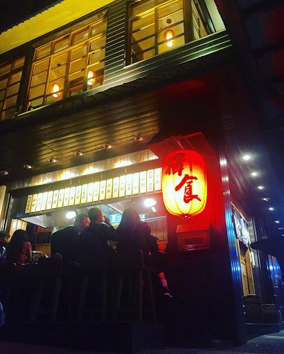 炙燒鮭魚壽司超級好吃~點的每道菜都好吃