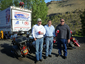Photo: Lake Simtustus Lake, Madras, Ron Tyree (sponsor) and friends Ralph and Rex