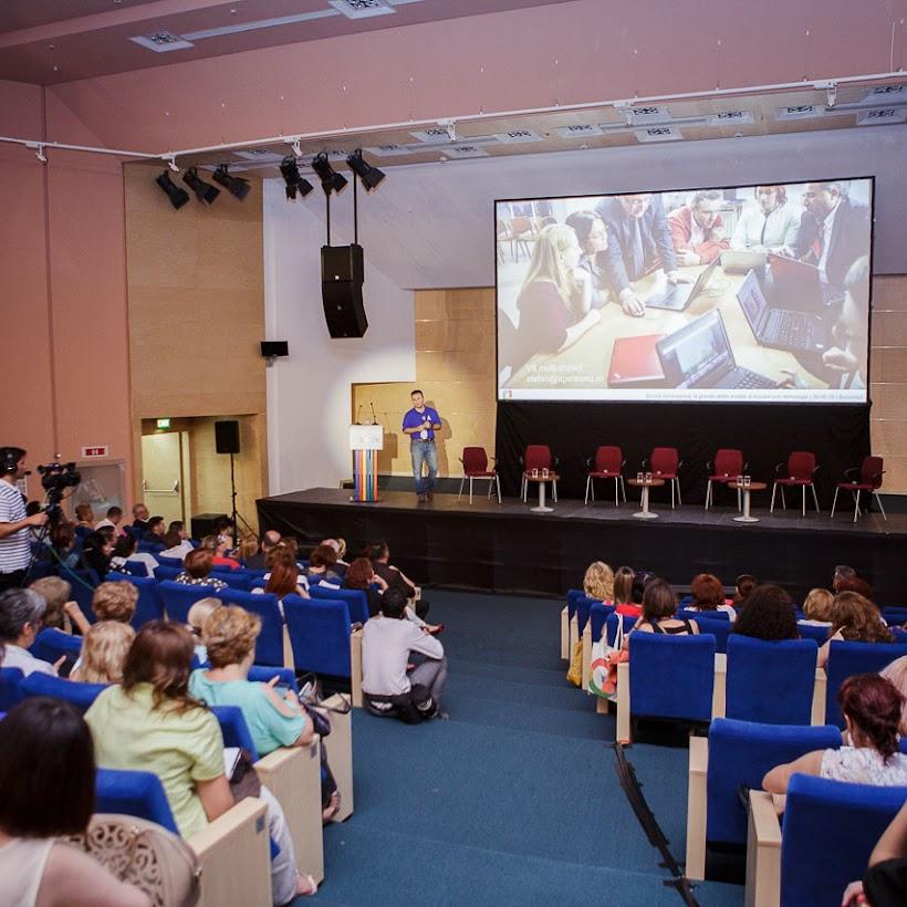 scoala-romaneasca-la-granita-dintre-traditie-si-inovare-prin-tehnologie-134