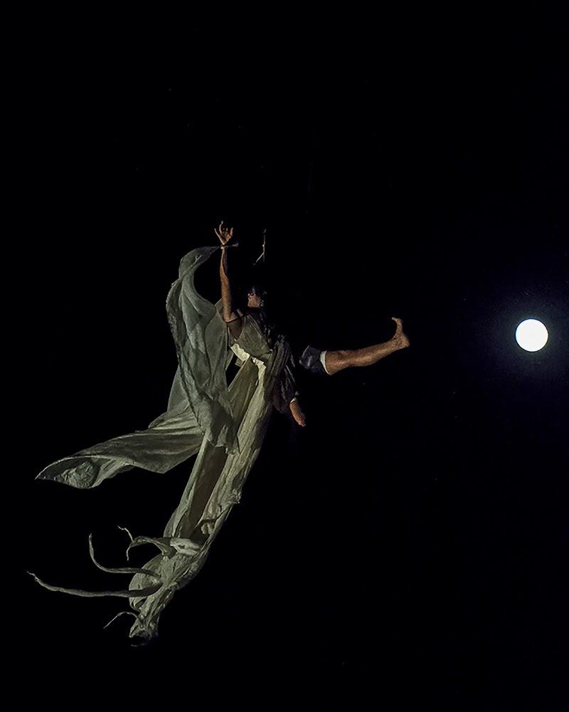 Creazioni artistiche da palcoscenico di Nefti-Monica