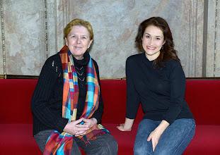 Photo: Dr. Renate Wagner im Gespräch mit Erin Morley (10.12.2014). Foto: Barbara Zeininger