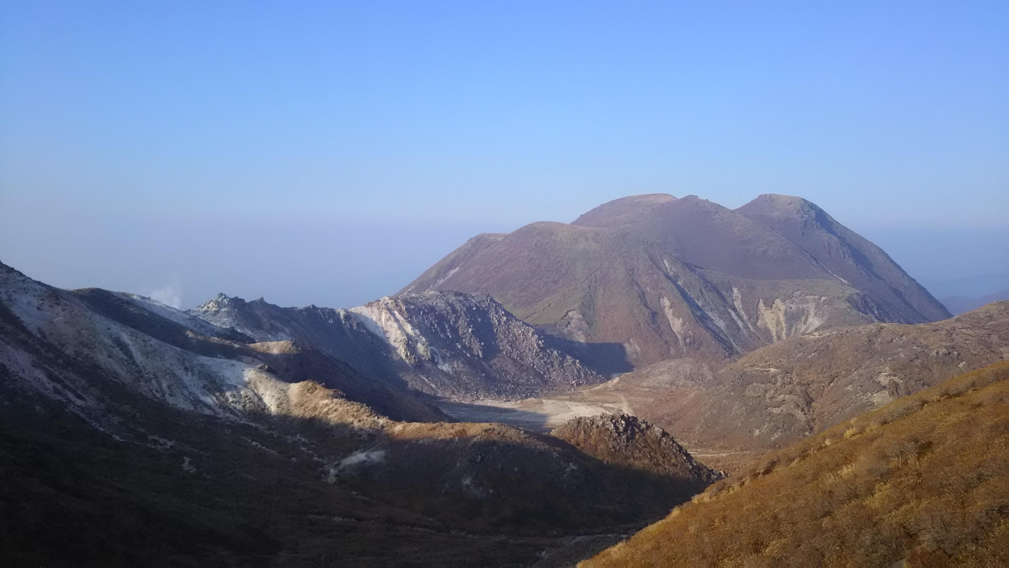三俣山と北千里ヶ浜