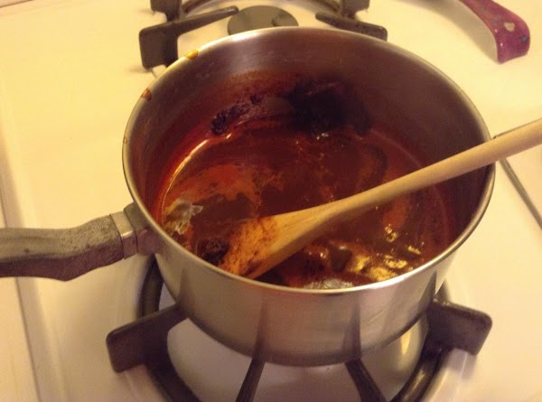 COOKING CHILE SAUCE Using the same saucepan, add vegetable oil to cook your enchilada sauce....
