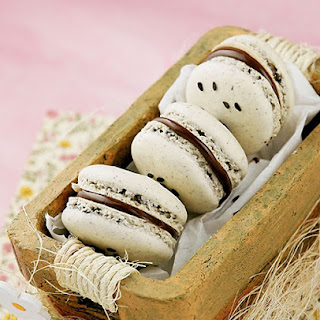 Black Sesame and Nutella Macarons