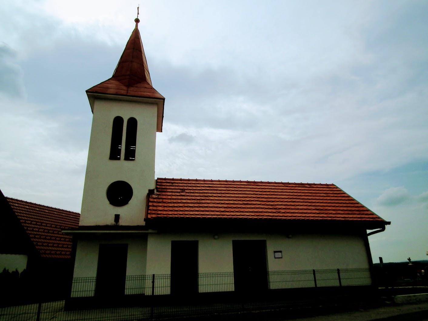 Suhi vrh (Szárazhegy) - kapela na pokopališču (temetőkápolna)