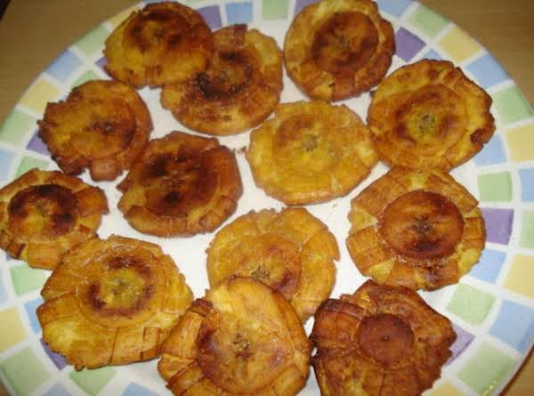 Cuban Fried Green Plantains ( Tostones Cubanos)