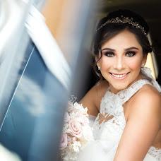 Wedding photographer Christian Rentería (christianrenter). Photo of 09.10.2018