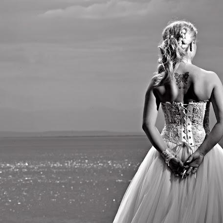 Wedding photographer Athanasios Mpampakis (studio31). Photo of 02.10.2017