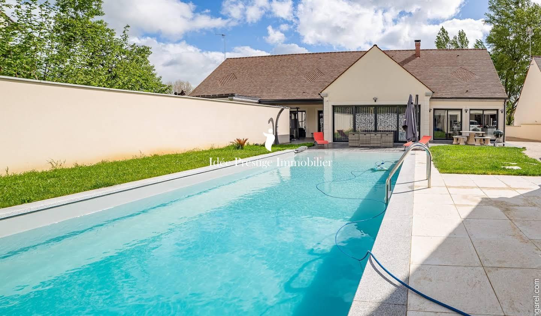 Maison avec piscine et terrasse Melun