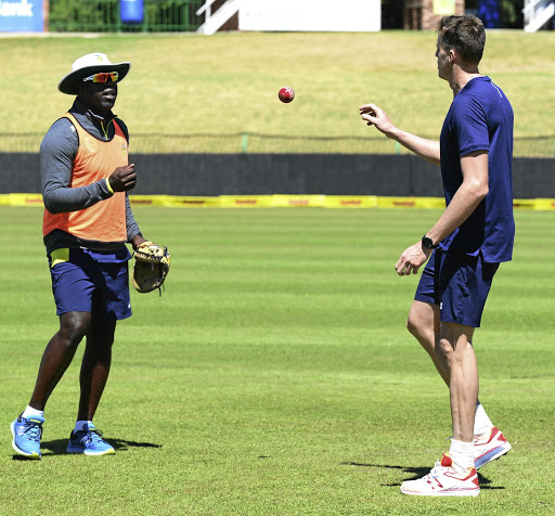 Catch-up: Ottis Gibson and Morné Morkel before the recent Test series against Bangladesh. Morkel would like to know if he is in the coach's plans for the World Cup in 2019. Picture: LEE WARREN/GALLO IMAGES