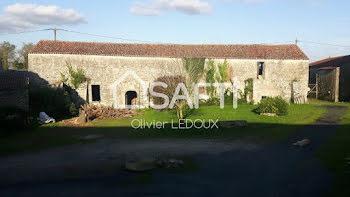locaux professionels à Loire-les-Marais (17)