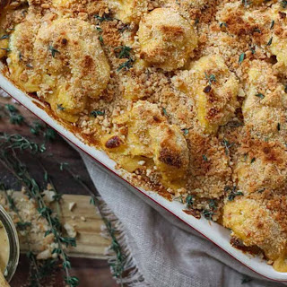 Cheesy Cauliflower Bake With Bread Crumbs and Thyme [Vegan, Gluten-Free].