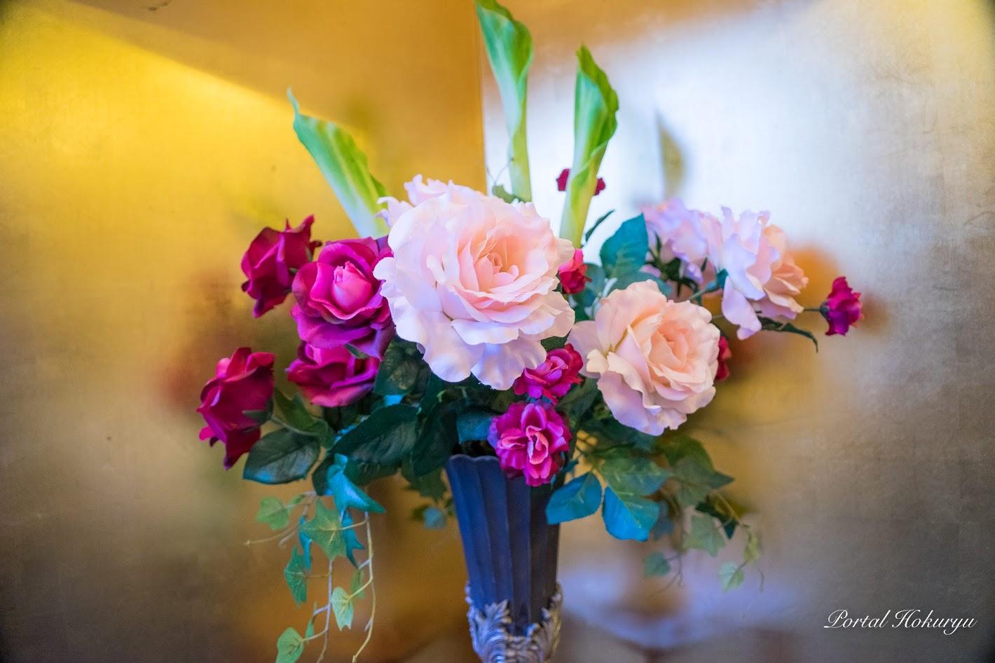会場を飾る生花