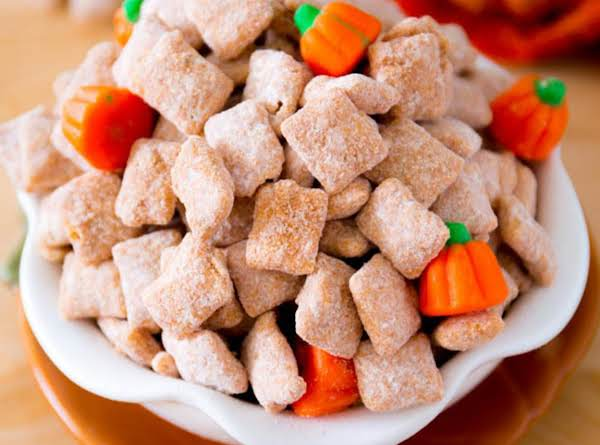 Pumpkin Spice Puppy Chow Recipe