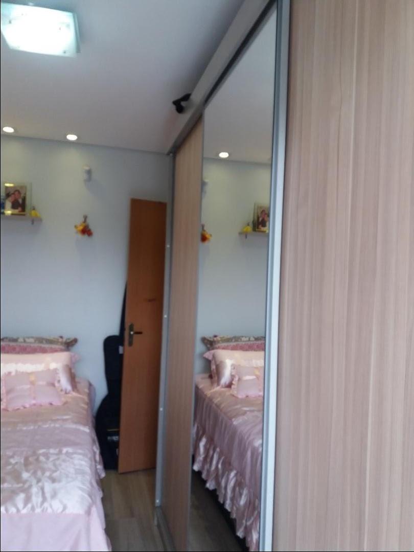 sobrado 2 dormitórios em Gravataí, no bairro Bom Princípio