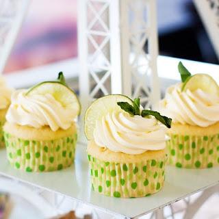 3-Ingredient Soda Pop Cupcakes