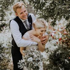 Wedding photographer Oksana Mazur (oxiphotography). Photo of 19.12.2016