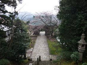 山門へ下る