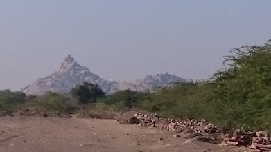 Photo: aravalli massif as seen from behind the motorcycle temple ... what a bad picture quality but if you asked me, the picture is somehow interesting :-)