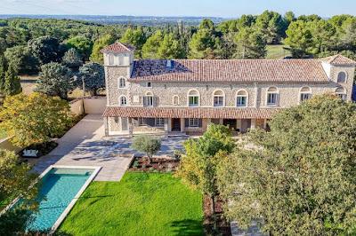 A Grand Luxury Villa in Avignon