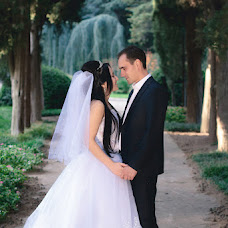 Wedding photographer Emir Osmanov (emirosmanov). Photo of 14.02.2016