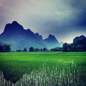 Beautiful Yangshou by Conor MacNeill - Instagram & Mobile Instagram