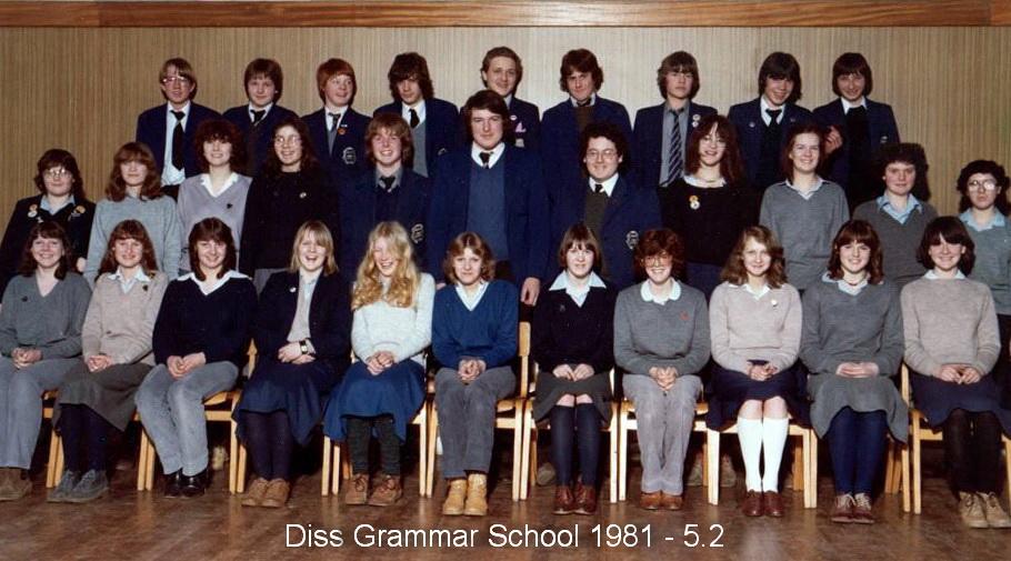 Photo: Diss Grammar School 1981 - Form 5.2 DGS Assembly Hall (Thanks - Mark Robinson)