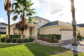 Orlando villa close to Disney, peaceful golfing community in Davenport, south-facing private pool