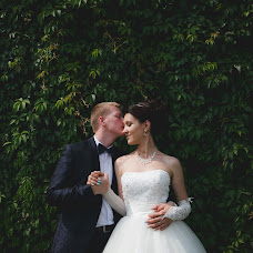 Wedding photographer Valeriy Momot (momotv). Photo of 18.04.2015