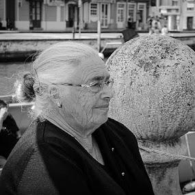 Rugas da vida by Zulmira Relvas - Black & White Portraits & People (  )