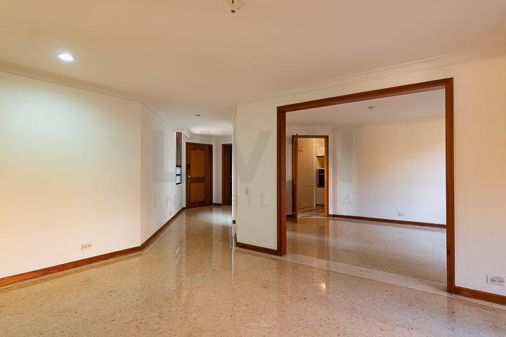 apartamento en arriendo el tesoro 494-3157