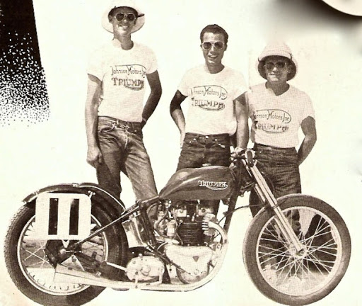 La moto et l'equipe de Rich Richards en 1954.