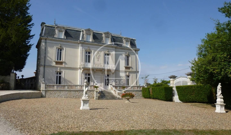 Manor Luxé