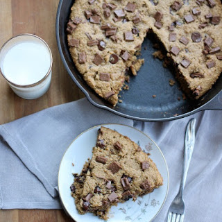 Chocolate Chip Peanut Butter Skillet Cookie (wheat free, vegan)