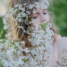 Wedding photographer Lyubov Lokotkova (EmmiliA). Photo of 22.10.2015