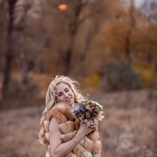 Wedding photographer Ekaterina Kuzmina (Ekuzmina). Photo of 25.10.2017