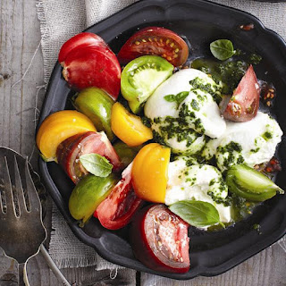 Pesto-burrata Salad.